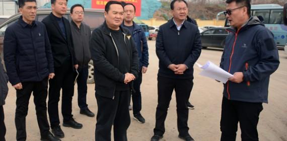 咸阳市住建局局长调研城区断头路及缓堵保畅项目