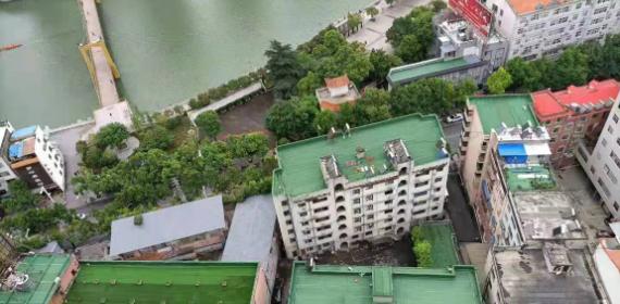 """襄阳市保康县""""楼顶革命""""持续推动人居环境整治工作"""